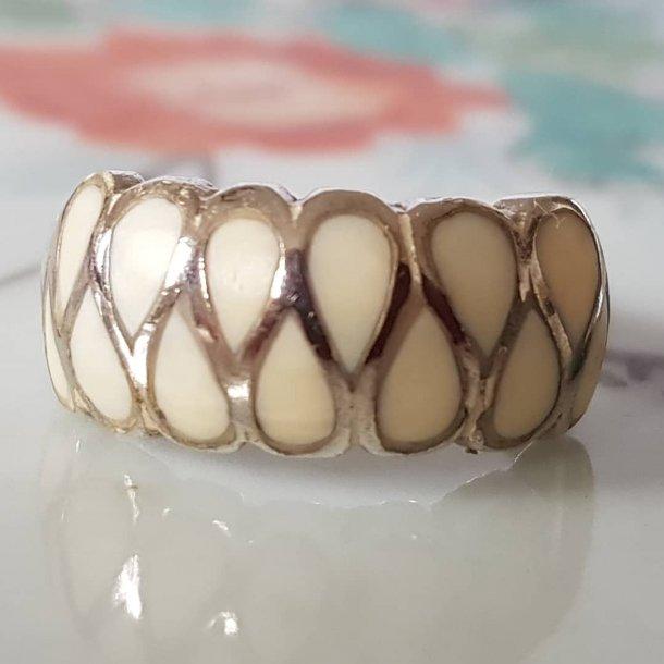 Retro ring i sølv med elfenben