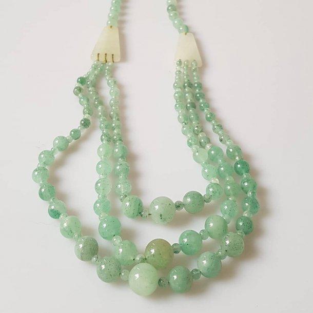 Vintage halssmykke i jade